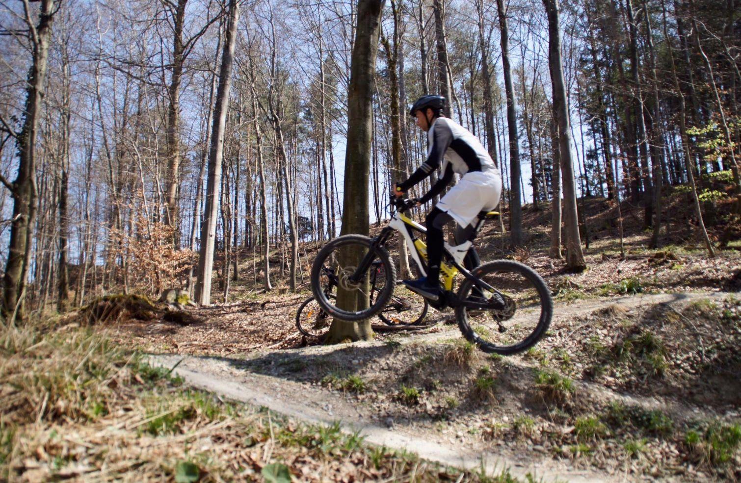 E-Mountainbikes: Alles, was man vor dem E-MTB-Kauf wissen muss